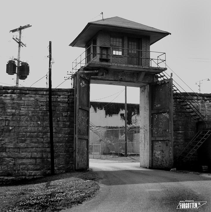 PRISON 00